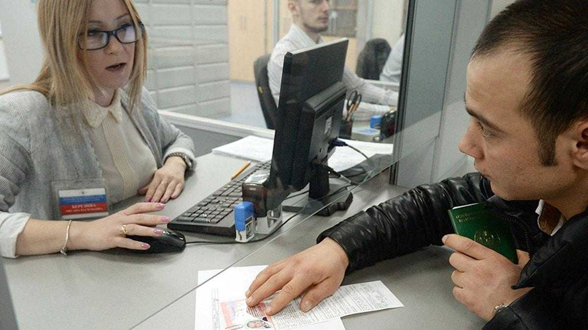 Фото перестановки штампа ВНЖ в новый паспорт