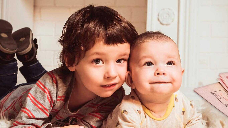 Фото двух детей