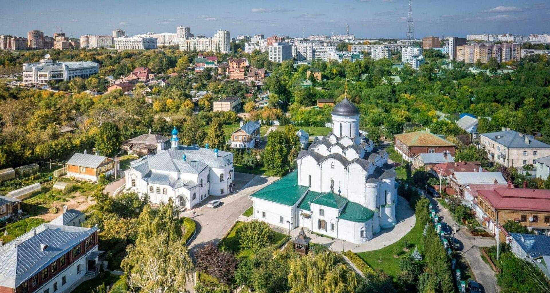 Фото вид на Княгинин монастырь сверху