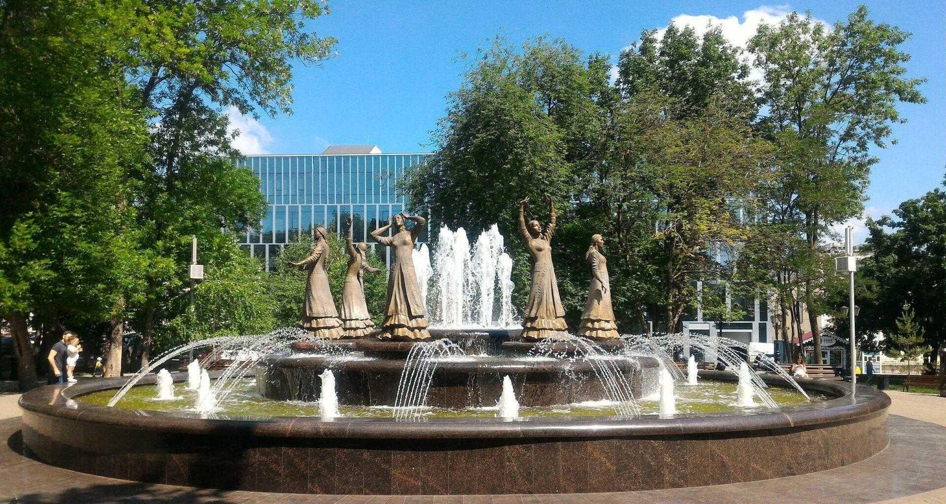 """Фото фонтана """"Семь девушек"""" в Уфе"""