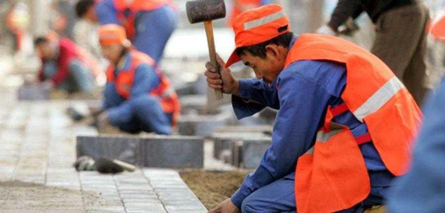оплата труда мигрантов в РФ выросла