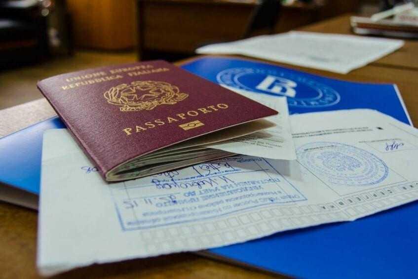 поддельные документы мигрантам