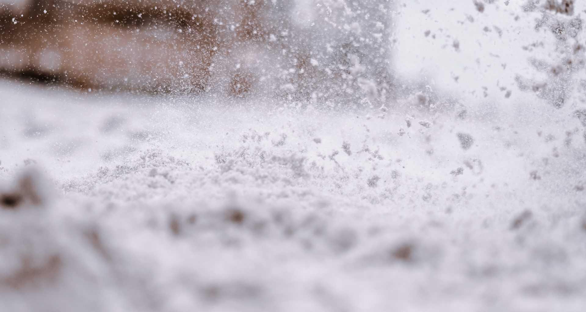 Уборка снега в Москве: мигранты